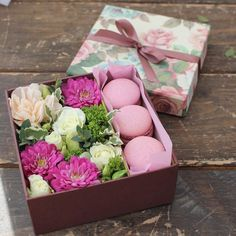 14 febrero Flower Box Gift, Flower Boxes, Gift Hampers, Gift Baskets, Bouquet Box, Flower Boutique, Sweet Box, Chocolate Bouquet, Holidays And Events