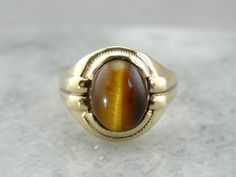 Men's Vintage Tiger's Eye Statement Ring in Yellow Gold RT7615-D