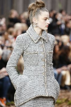 Chanel Fall 2018 Ready-to-Wear Collection - Vogue Chanel Fashion Show,  Chanel c27f665b8c4