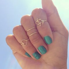 Midi Rings.I want the plain gold ones!