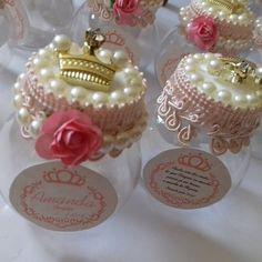 De pertinho  Mimos Lindos  para uma princesa   Mini Baleiro  #Maternidade #Baby  #Mimos #personalizando  #ateliealbuquerque  #Amandachegou