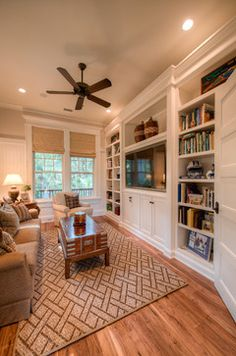 - traditional - family room - charleston - Solaris Inc.