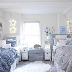 College Bedroom Decor, Cool Dorm Rooms, College Room, Room Ideas Bedroom, Preppy Dorm Room, Dorm Room Themes, Pink Dorm Rooms, College Dorm Decorations, College Apartment Bedrooms