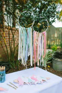 Boho desert bash for sisters by Angela Marie Events Photos by Carolynn Seibert 100 Layer Cakelet Boho Baby Shower, Bridal Shower, Pow Wow Party, Hippie Party, Gypsy Party, Hippie Birthday, Deco Champetre, Partys, First Birthday Parties