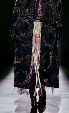 Not Ordinary Fashion is art Dior Haute Couture, Marchesa, Elie Saab, Christian Dior, Alexander Mcqueen, Ball Gowns, Vintage Couture, Fashion Fashion, Van