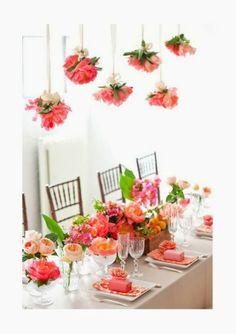 Trendy Wedding, blog idées et inspirations mariage ♥ French Wedding Blog: {décoration de salle} Des bouquets suspendus