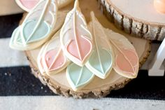 feather cookies