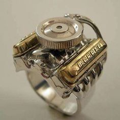 I Love Jewelry Jewelry for Gearheads - The Hot Rod Engine Ring (GALLERY) - Jewelry for Gearheads - Jewelry for a gearhead? Absolutely hot when it is this ring, made to look like a big block Chevy engine. If m'lady wants si. Do It Yourself Fashion, Metal Art, Hot Rods, Chevy, Chevrolet, Cool Stuff, Stuff To Buy, Jewelry Accessories, Wedding Rings