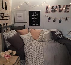 Cute teenage girl room decorating ideas themes for girls bedroom design Girl Bedroom Designs, Girls Bedroom, Teen Bedrooms, Girl Rooms, Trendy Bedroom, Modern Bedroom, Dream Rooms, Dream Bedroom, Teen Room Decor