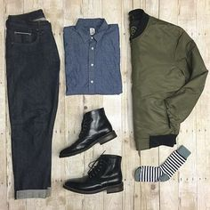 the latest trends in mens fashion and mens clothing styles Cool Outfits For Men, Casual Outfits, Men Casual, Fashion Outfits, Fasion, Army Green Bomber Jacket, Green Jacket, Smart Men, Boating Outfit