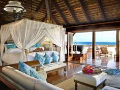 Ok this is most definately my dream bedroom with the view as well. How about waking to that every morning ??!!
