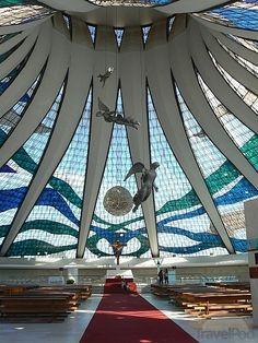 O jogo hoje (23/06) é em Brasília! Catedral Metropolitana de Brasília | Oscar Niemeyer