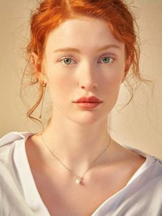 Redheads Deer Horn & Pearl Charm Necklace Things to Know About Selecting a Child Day Care Providers Beautiful Red Hair, Beautiful Redhead, Natural Redhead, Redhead Girl, Amazing Hair, Photographie Portrait Inspiration, Ginger Girls, Ginger Hair, Hair Colors