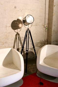 Vintage tripod light