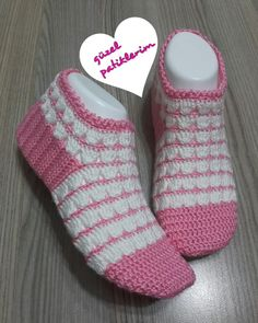 Günaydın  . . #patik #babetpatik #elemegim12 #botpatik #handmade #knitting #gelinlik #iğneoyası #kokulutaş #kesfetbizim42 #hobi #a101#bim #tesettürabiye #pembeseverler #nako #takı #instareklam #örenbayan #a101#bim #ikea #gelinbohçası #gelinevi #tesettürabiye #lif #instalike #babyshower #örgüpuf #tren085 #siparişalınır