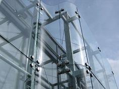 Glass facade detail Office Building Architecture, Building Facade, Facade Architecture, Curtain Wall Detail, Glass Curtain Wall, Glass Pavilion, Shop Facade, Glass Stairs, Glass Structure
