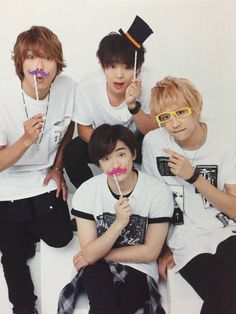 This kinda cute side of Hey! Say! JUMP members with their color code (Yūya - Purple , Daiki - Orange , Yūri - Pink , Hikaru - Yellow)