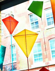 make and hang a kite as bedroom decor