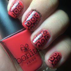 Girl's Night Out by Bonita Colors. 2 by Mundo de Unas. Top/base by Glisten and glow. Plate 68 by Pueen Cosmetics. Stamper from Pipe Dream Polish. Dried by our USpicy Seashell Nail dryer. Photo by Jackweezy on Instagram