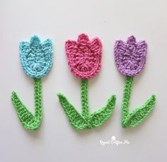 Crochet Tulip Applique - Repeat Crafter Me Crochet Applique Patterns Free, Crochet Motif, Easy Crochet, Crochet Flowers, Crochet Hooks, Free Crochet, Knit Crochet, Free Pattern, Easter Crochet Patterns