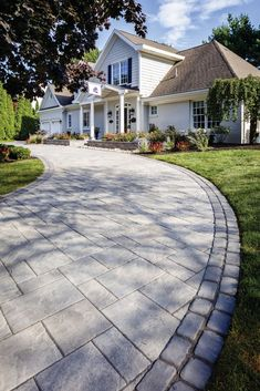 Faced with many options, chose the right paver pattern for you! Backyard Pergola, Diy Patio, Backyard Landscaping, Patio Ideas, Backyard Ideas, Landscaping Ideas, Pergola Ideas, Backyard Decorations, Pergola Kits