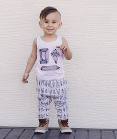 Not So Basic Harems are comfy little pants for boys and girls. These easy to wear pants feature an elastic waistband and a cuff on each leg. Available is sizes newborn-5 years. All Not So Basic Harems are made of stretchy knits.Composition:fog grey- french terry knitfog grey w/ cream contrast- french terry knitwhite/black polka dots- micro french terry knitthis way (arrows)- 100�0Organic Cotton Knithoneycomb- 100�0Organic Cotton Knitspring clean (peach)- 100�0Organ...