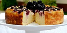 Réteges, ropogós sajtos kifli – egyszerűen | Álom.Íz.Világ. Sweet Desserts, Cake Cookies, Nutella, Camembert Cheese, Cake Recipes, Cheesecake, Deserts, Muffin, Food And Drink