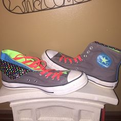 Super hot colors. Summer fun Roll down to show different colors. Excellent like new condition. More pics just ask. I have an excellent seller score. So thanks for looking. Converse Shoes Sneakers