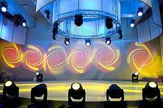 Lanzamientos e inauguraciones - Buscar con Google Programa Musical, Table Lamp, Ceiling Lights, Lighting, Google, Home Decor, Table Lamps, Decoration Home, Room Decor