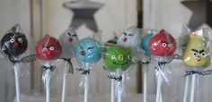 Angry Birds Cake Pops Make cake decoration and cake baking easy with these cake tins. Bird Birthday Parties, Boy Birthday, Birthday Ideas, Birthday Cake, Cake Pops, Cake Pop Decorating, Angry Birds Cake, Small Cake, Yummy Cupcakes