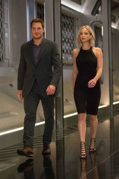 "Chris Pratt and Jennifer Lawrence in ""Passengers"""