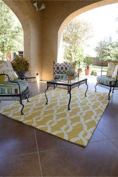 Venice Beach Indoor/Outdoor Rug - Goldenrod/Ivory