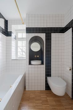 A spinning porthole offers shifting views of rooms inside Makepeace Mansions Apartment, which Surman Weston has finished with bespoke details. London Apartment, Apartment Interior, Minimal Apartment, Hallway Flooring, Mug Design, Inspiration Design, Interior Inspiration, Shower Cubicles, Compact Kitchen