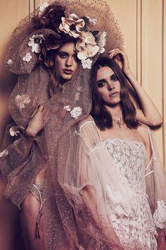 Los amantes pasajeros. Vogue Novias (nº 45) © Fotografías: Nacho Alegre / Realización: Marina Gallo