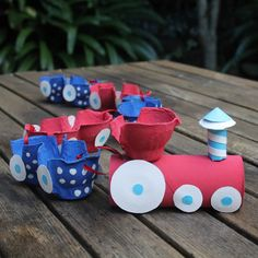 Over 20 amazing egg carton crafts for kids! If you need egg carton craft ideas for any occasion and any age - this post is for you. Kids Crafts, Craft Activities For Kids, Toddler Crafts, Crafts To Do, Projects For Kids, Diy For Kids, Craft Projects, Craft Ideas, Fun Ideas