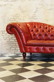 Look at that couch! Chesterfield Chair, Accent Chairs, Couch, Board, Furniture, Home Decor, Upholstered Chairs, Settee, Sofa