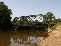 RAILROAD HISTORIA TRUSS BRIDGE OVER FLINT RIVER, MICHIGAN