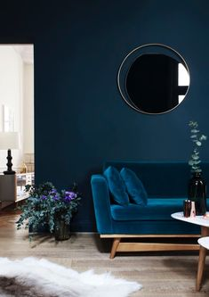 Dark Blue Living Room Maison Home Decor Dark Interiors Blue Rooms Living Room Designs, Living Room Decor, Living Spaces, Dark Blue Living Room, Blue Feature Wall Living Room, Living Area, Peacock Living Room, Bold Living Room, Dark Interiors