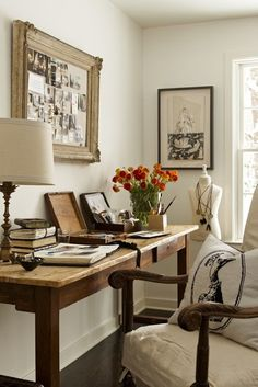 Vintage touches for the home office.
