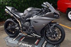 YAMAHA R1 :) really cool