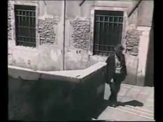 """Quando a #Venezia si faceva il bagno nei canali... Venezia anni '50 - Bimbi Nuotano """"I nua"""""""