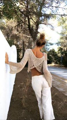 Beige metallic thread cotton slouchy crop top sweater lightweight loose knit Women's v back sweater dance yoga ballet top Jersey Boho, Chambray, Grey Sweater Womens, Pull Beige, Ballet Top, Boho Fashion, Fashion Outfits, Crop Top Sweater, Evening Tops