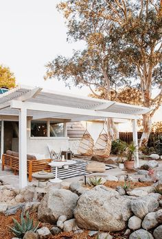 If you are looking for Outdoor Living Spaces, You come to the right place. Here are the Outdoor Living Spaces. This post about Outdoor Living Spaces was posted under. Backyard Patio, Backyard Landscaping, Landscaping Ideas, Desert Backyard, Apartamento New York, Outdoor Spaces, Outdoor Decor, Outdoor Ideas, Exterior Design