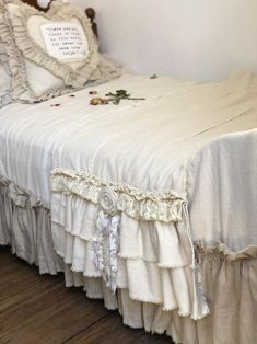 Custom Bed Scarf Bed Runner Long multi ruffle ivory White linen cotton canvas lace Handmade French Country Farmhouse Bedding - Warm home decor Modern French Country, French Country Farmhouse, French Country Bedrooms, French Country Decorating, French Cottage, Country Style, Farmhouse Style, Bed Scarf, Warm Home Decor
