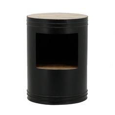 Nieuw in de collectie, de sidetable Barrel! Dit grappige hoektafeltje past naast de bank, in de gang, of misschien wel naast je bed? Hij is verkrijgbaar in 4 kleuren.