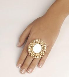 Fashionable ring with central mirror insert surrounded with flowing mughal floral motifs in kundan - diamond jewellery shop, shopping for jewelry, fashion gold jewellery *ad Jewelry Mirror, Gold Jewelry, Jewelry Accessories, Jewelry Design, Flower Jewelry, Diamond Jewellery, Jewelry Trends, Diamond Rings, Antique Rings