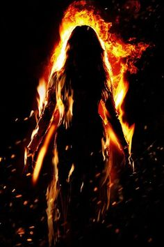 That rebellious fire burned deep down inside of her, burning her bones and boiling her blood. Oh my how her fire burned. Queen Aesthetic, Witch Aesthetic, Book Aesthetic, Character Aesthetic, Foto Fantasy, Dark Fantasy Art, Elemental Powers, Ange Demon, Different Emotions