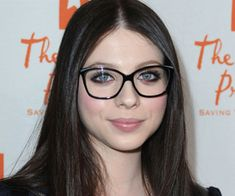 Michelle Trachtenberg  |  Celebrities wearing Glasses #glasses www.focalglasses.com www.facebook.com/pages/Focalglasses/551227474936539 Best Vision in The World!
