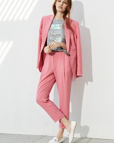 """""""Mi piace"""": 36.3 mila, commenti: 234 - Primark (@primark) su Instagram: """"The trend we're all crushin' on... How are you styling yours? 💕 Top €8, Trousers €16, Blazer €23,…"""""""