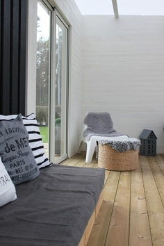 ♥ grey covered bench seat...